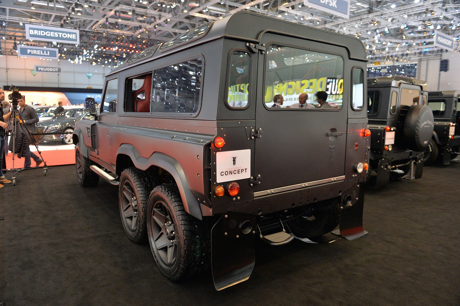 02-kahn-flying-huntsman-110-wb-6x6-geneva-1.jpg