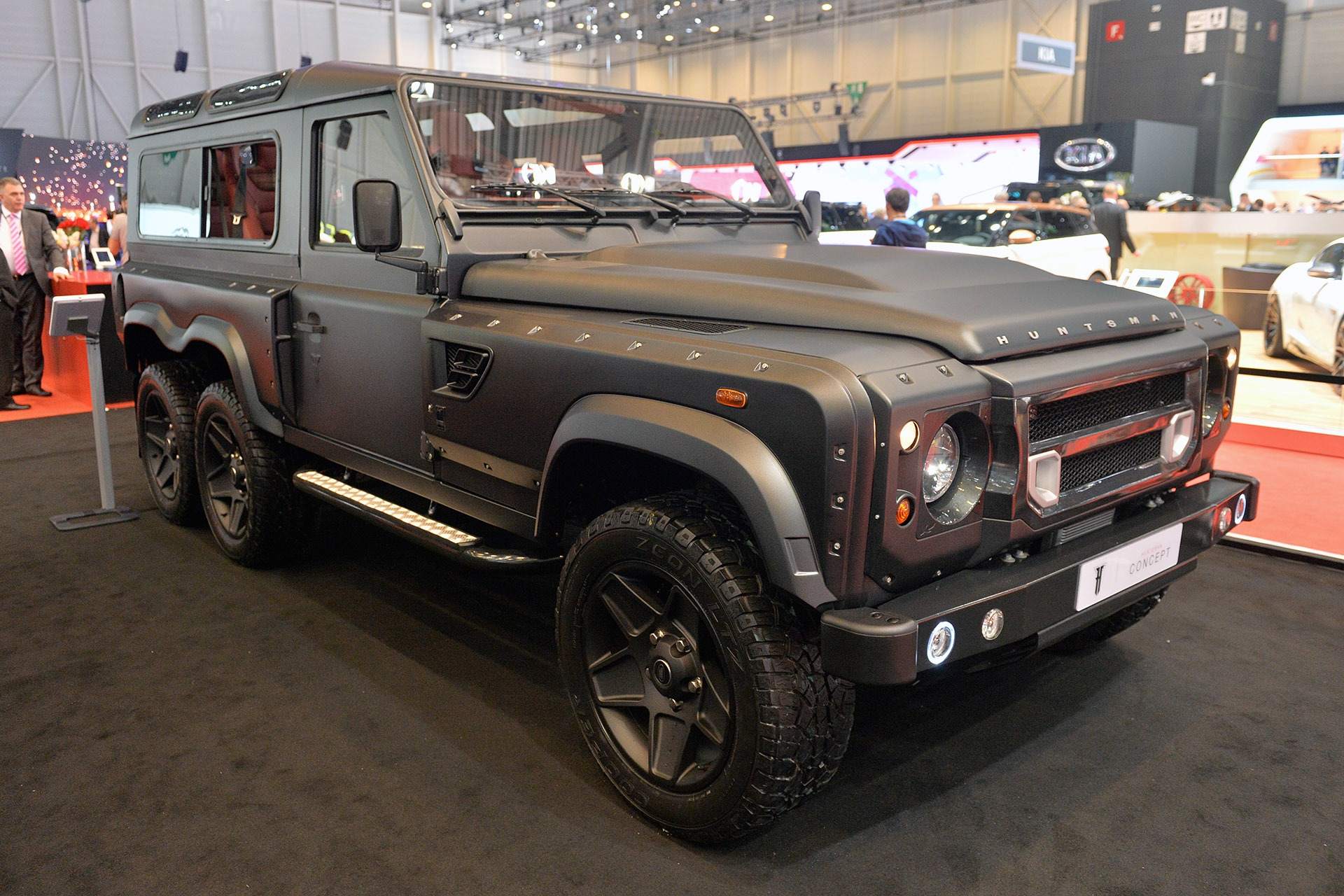 01-kahn-flying-huntsman-110-wb-6x6-geneva-1.jpg