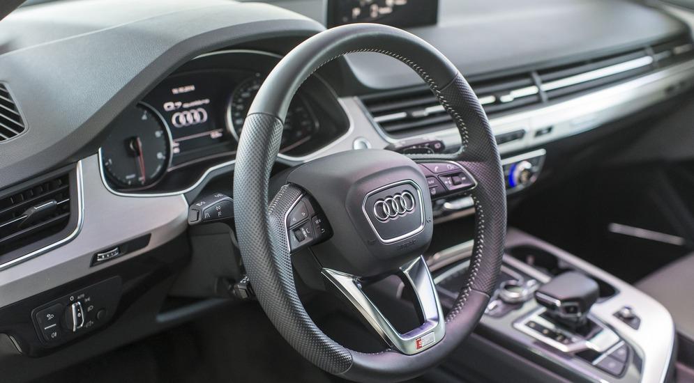 Audi Q7_Interior.jpg
