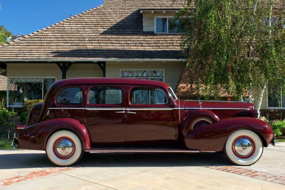 cadillac_series_75_v8_touring_sedan_by_fleetwood_7.jpeg