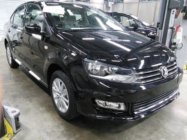 VW-Vento-facelift-front-quarter-spied-undisguised.jpg