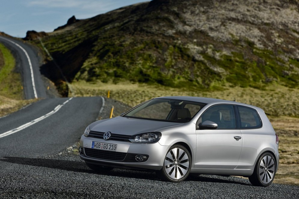 Volkswagen-Golf_2009_1600x1200_wallpaper_08.jpg