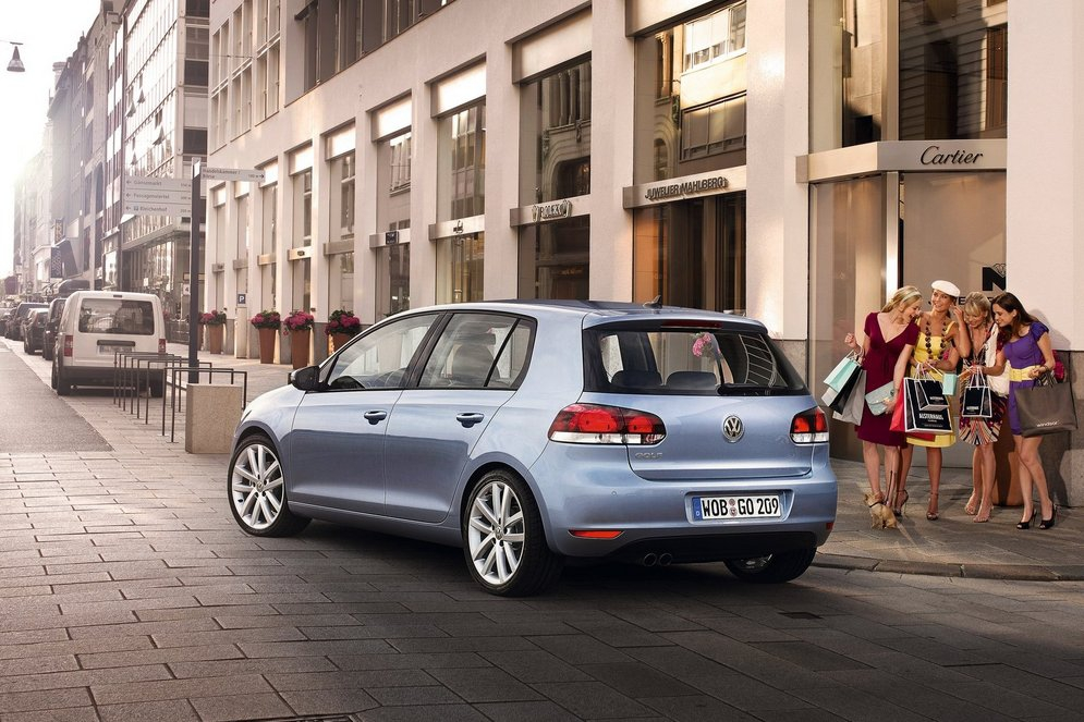 Volkswagen-Golf_2009_1600x1200_wallpaper_5b.jpg