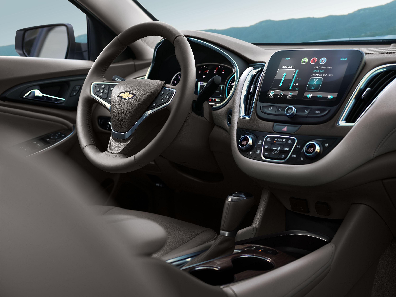 2016-Chevrolet-Malibu-011.jpg