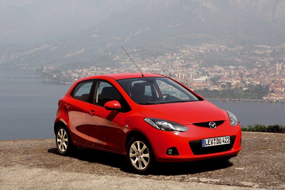 Mazda-2_2008_1600x1200_wallpaper_06.jpg