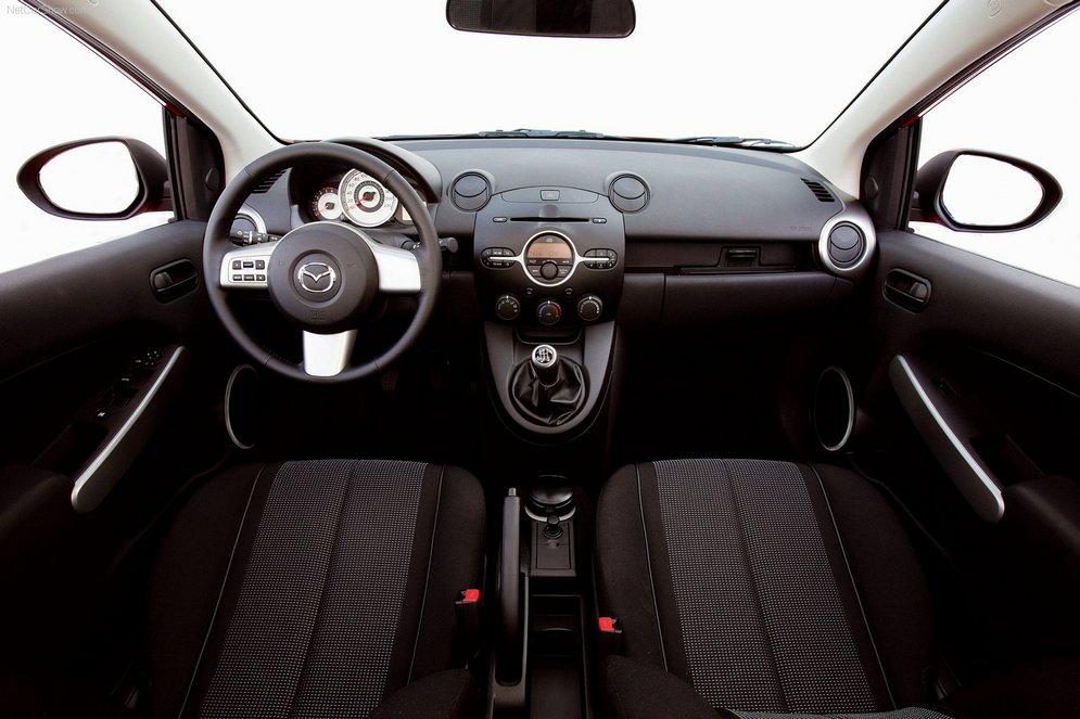 Mazda-2_2008_1600x1200_wallpaper_45.jpg