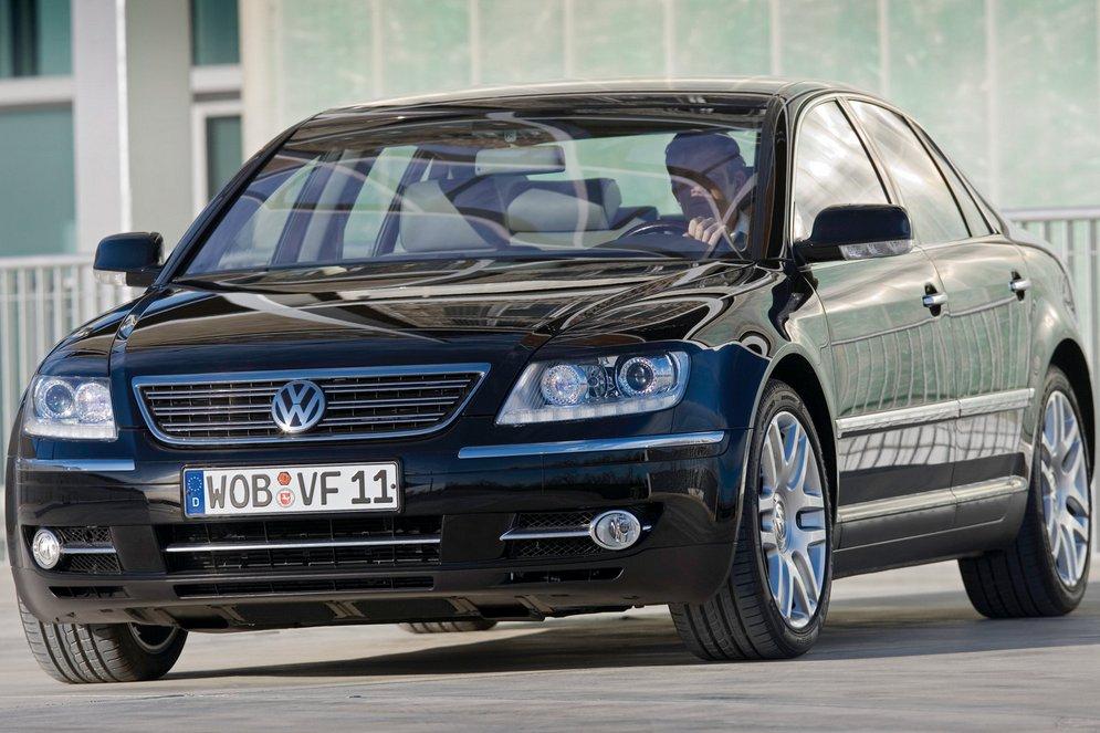 Volkswagen-Phaeton_2008_1600x1200_wallpaper_03.jpg