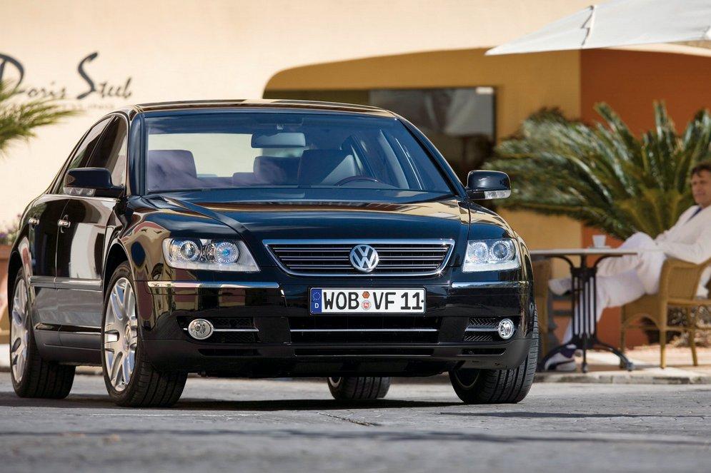 Volkswagen-Phaeton_2008_1600x1200_wallpaper_02.jpg