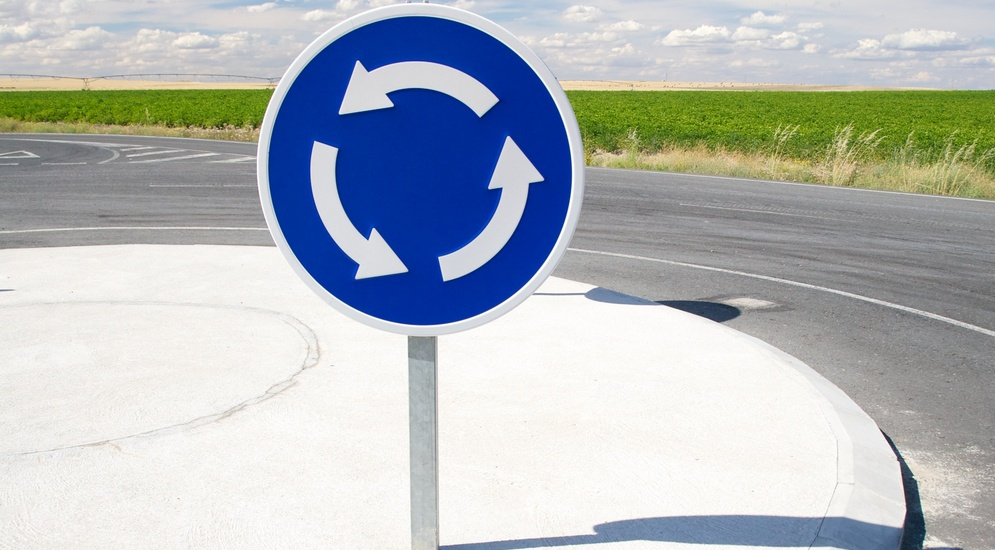 За сколько метров до поворота нужно включать поворотник