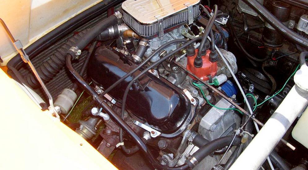 Saab_Sonett_III_Ford_V4_engine.jpg
