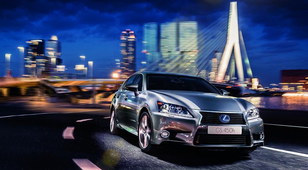 Lexus сделал самые популярные модели дешевле