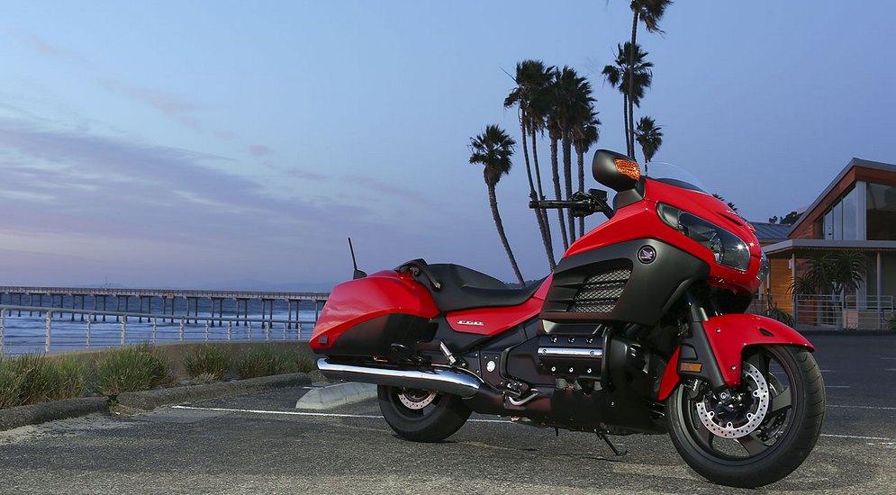 Honda-F6B-in-red.jpg