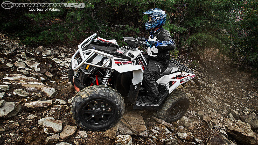 2014-Scrambler-XP1000-white-location-0968_b.jpg