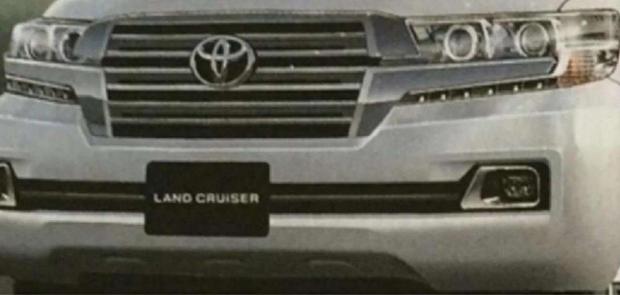 В Сеть попало первое фото нового Toyota Land Cruiser