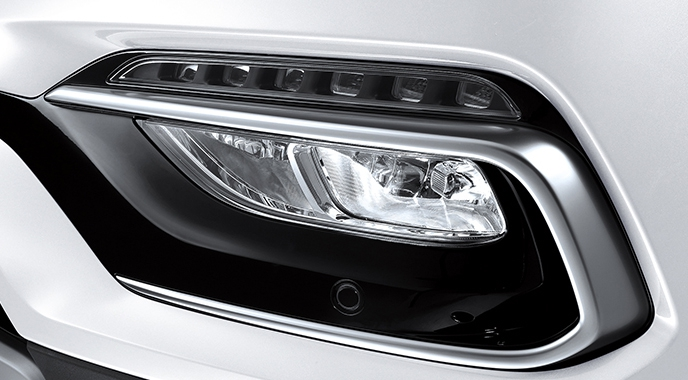 2016-Hyundai-Santa-Fe-facelift-foglights.jpg