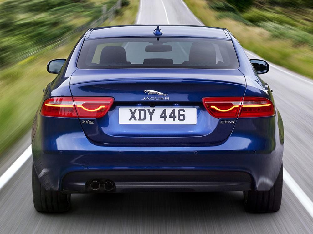 jaguar_xe_r_sport_uk-spec_2.jpeg