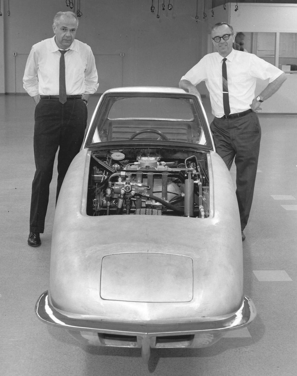 Картинки по запросу Гирокар — редкий двухколесный автомобиль