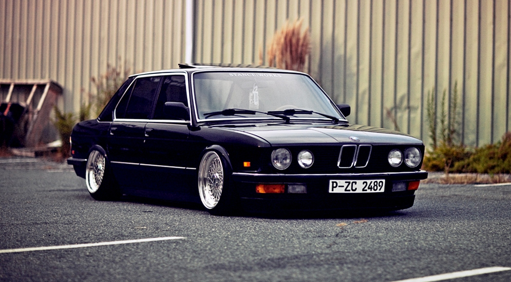 bmw-e28-bagged-air-lift.jpg