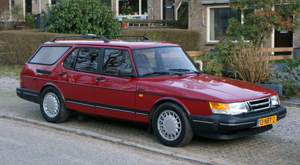 1981_Saab_900_Safari_(8881177229).jpg