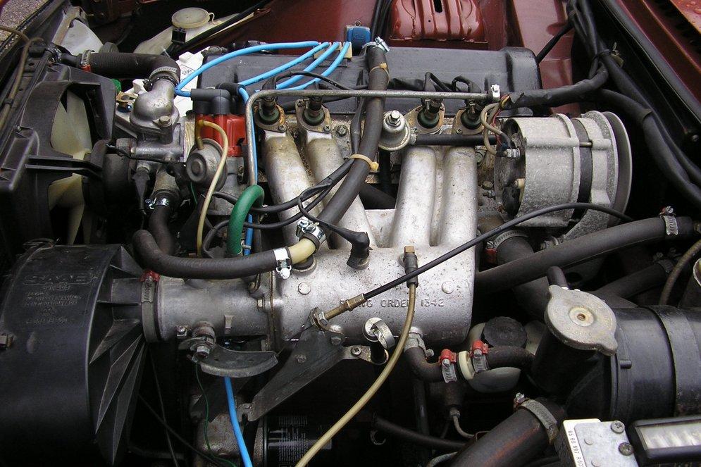 1974-SAAB99LE-engine.jpg