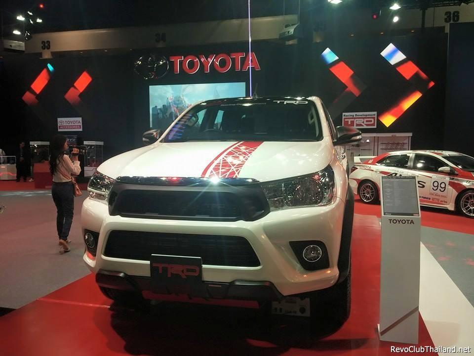 Toyota-Hilux-Revo-TRD-2.jpg
