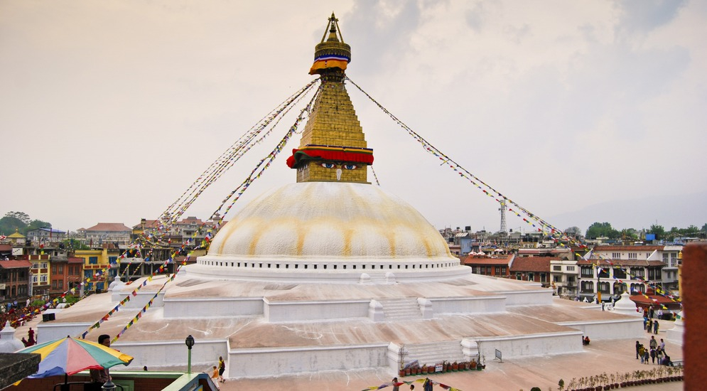 Буддистская ступа - центр буддистского паломничества.JPG