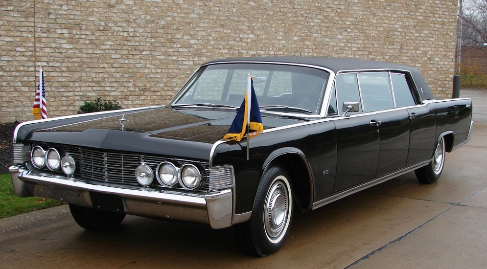 12autowp.ru_lincoln_continental_limousine_by_lehmann-peterson_3.jpeg