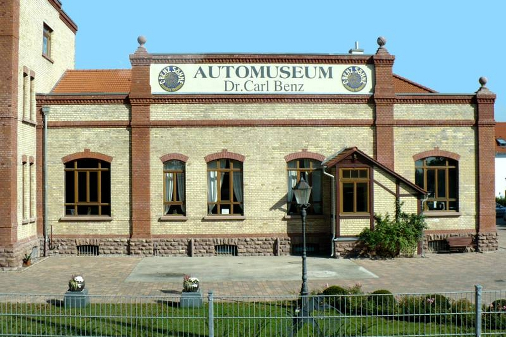 Automuseum_Dr_Carl_Benz.jpg