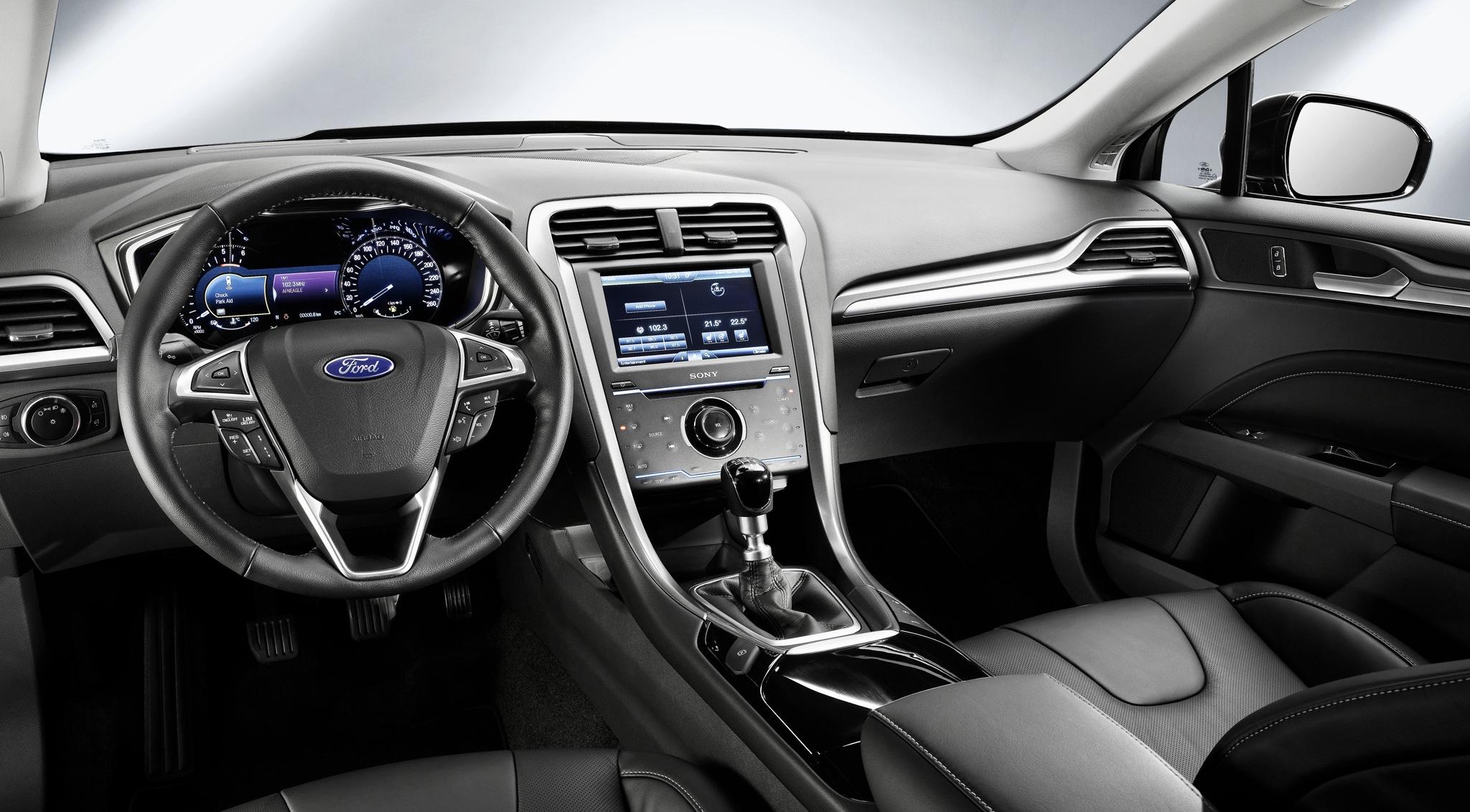 В России начались продажи Ford Mondeo в новой премиальной комплектации