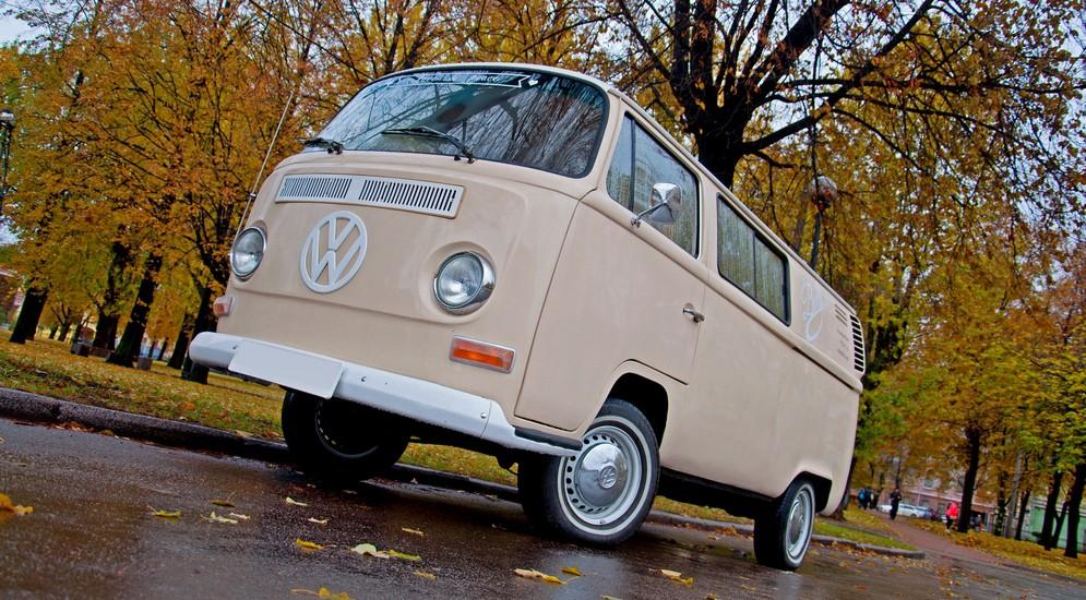 Тест-драйв Volkswagen Transporter Т2: теперь ещё и ездит!