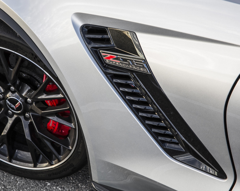 2016-Chevrolet-CorvetteZ06-055.jpg