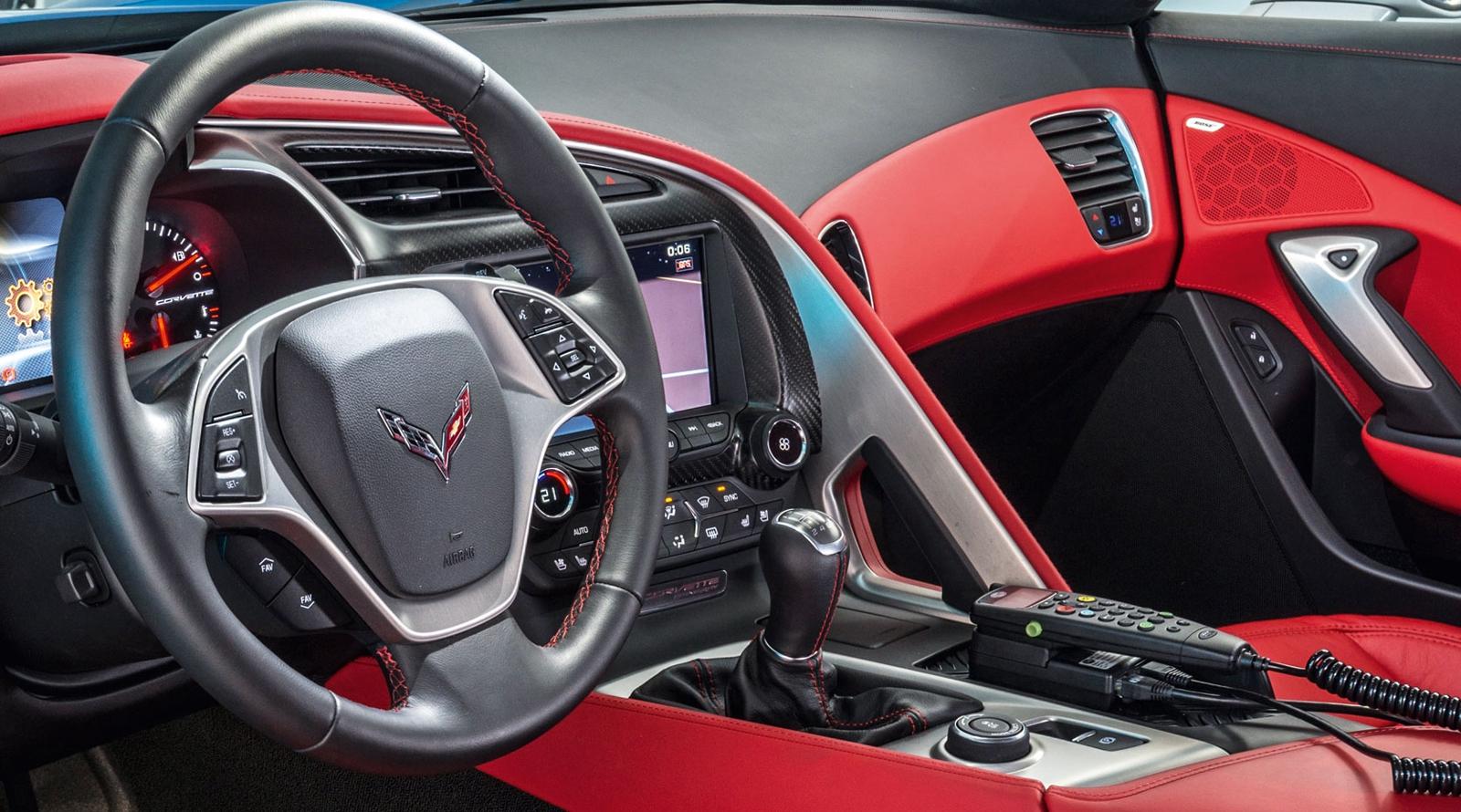 chevrolet_corvette_stingray_coupe_polizei_tune_it_safe_concept.jpeg