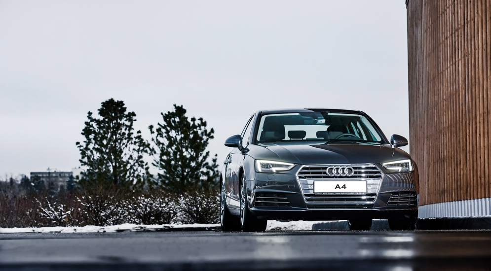 Audi A4 (1).jpg