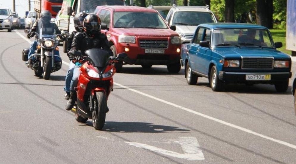 езда с одним передним номерным знаком