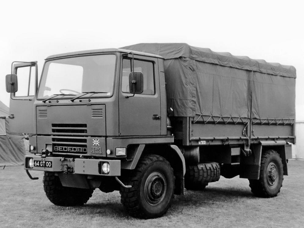 bedford_tm_4x4_military_truck_1.jpg