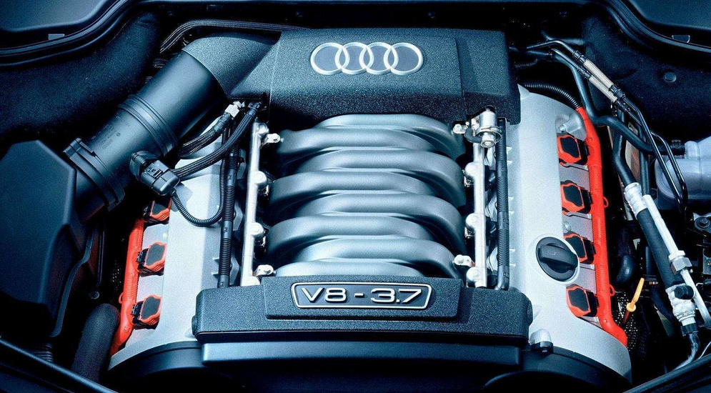 Audi-A8_3.7_quattro_2004_1600x1200_wallpaper_15.jpg
