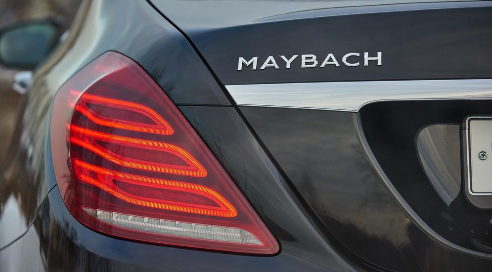 Деревянное дерево и кожаная кожа: тест-драйв Merсedes-Maybach S400