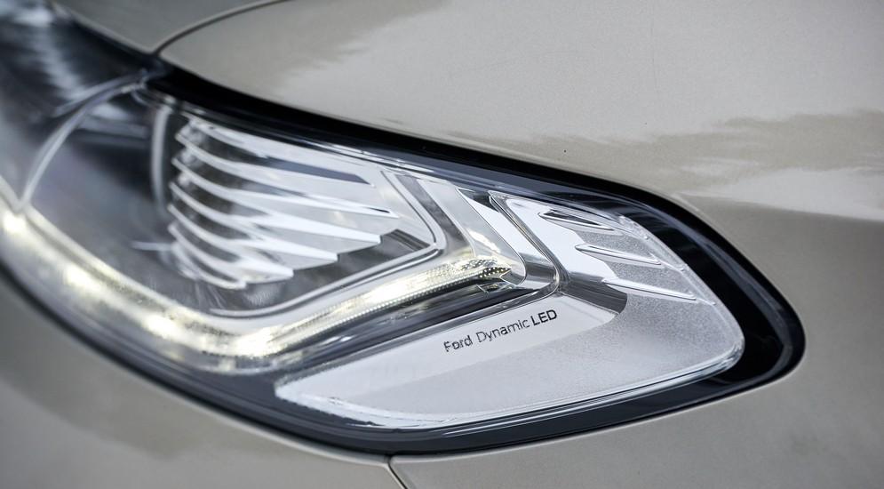 Хмурый, быстрый, нелогичный: тест-драйв Ford Mondeo EcoBoost