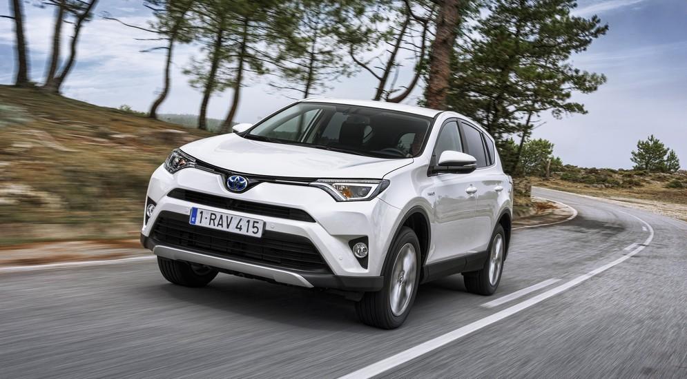 Ради ледников Арктики: тест-драйв Toyota RAV4 Hybrid