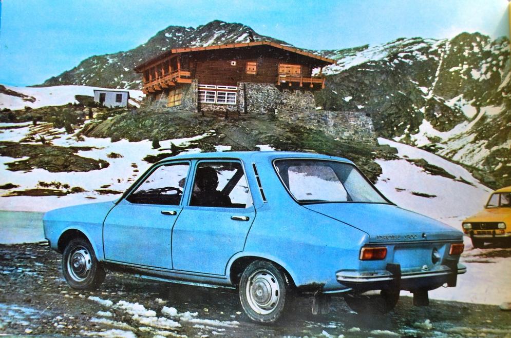 1300_sedan06.jpg