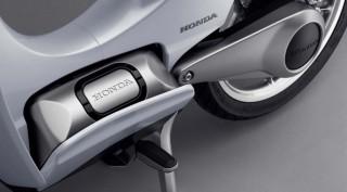 Honda-EV-Cub-concept-electric-02.jpg