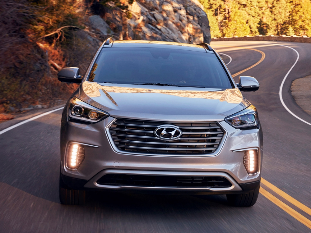 After a lot of hide n seek, hyundai displayed its 2013 fluidic santa fe at the new york auto show