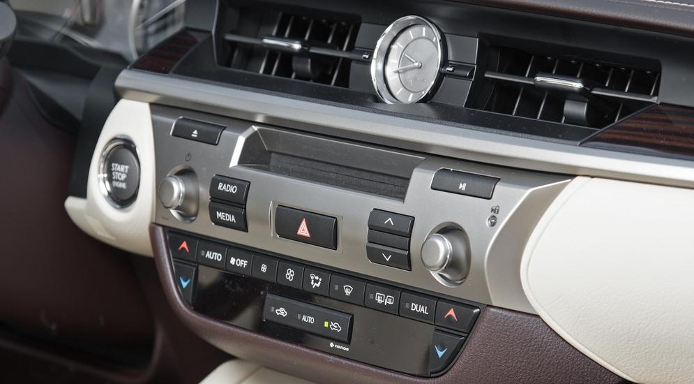Lexus_ES200-5751.jpg