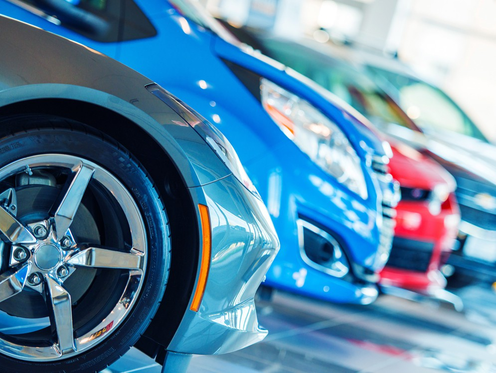 Количество автодилеров в РФ  затри месяца следующего года  уменьшилось  на6%