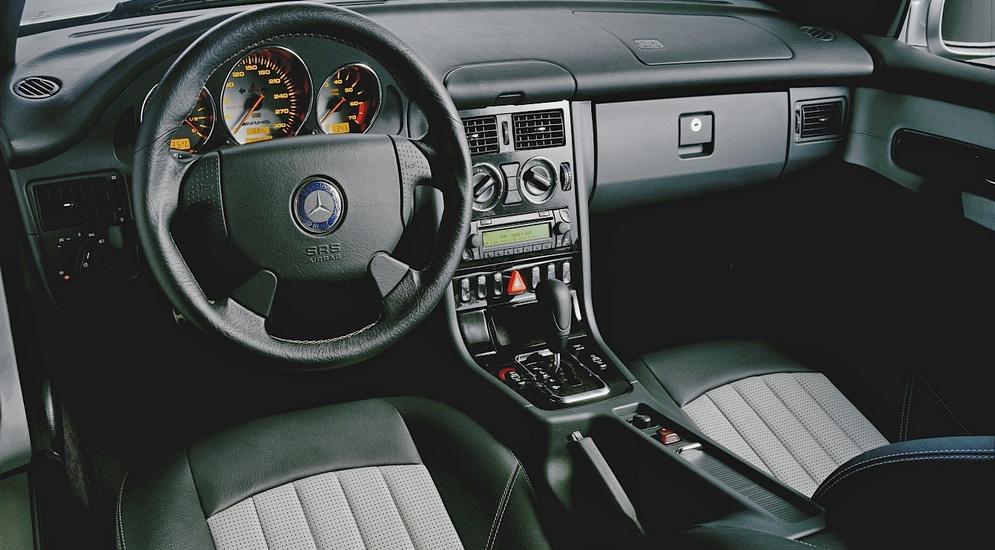 Торпедо Mercedes-Benz SLK 32 AMG (R170) '2001–04.jpeg