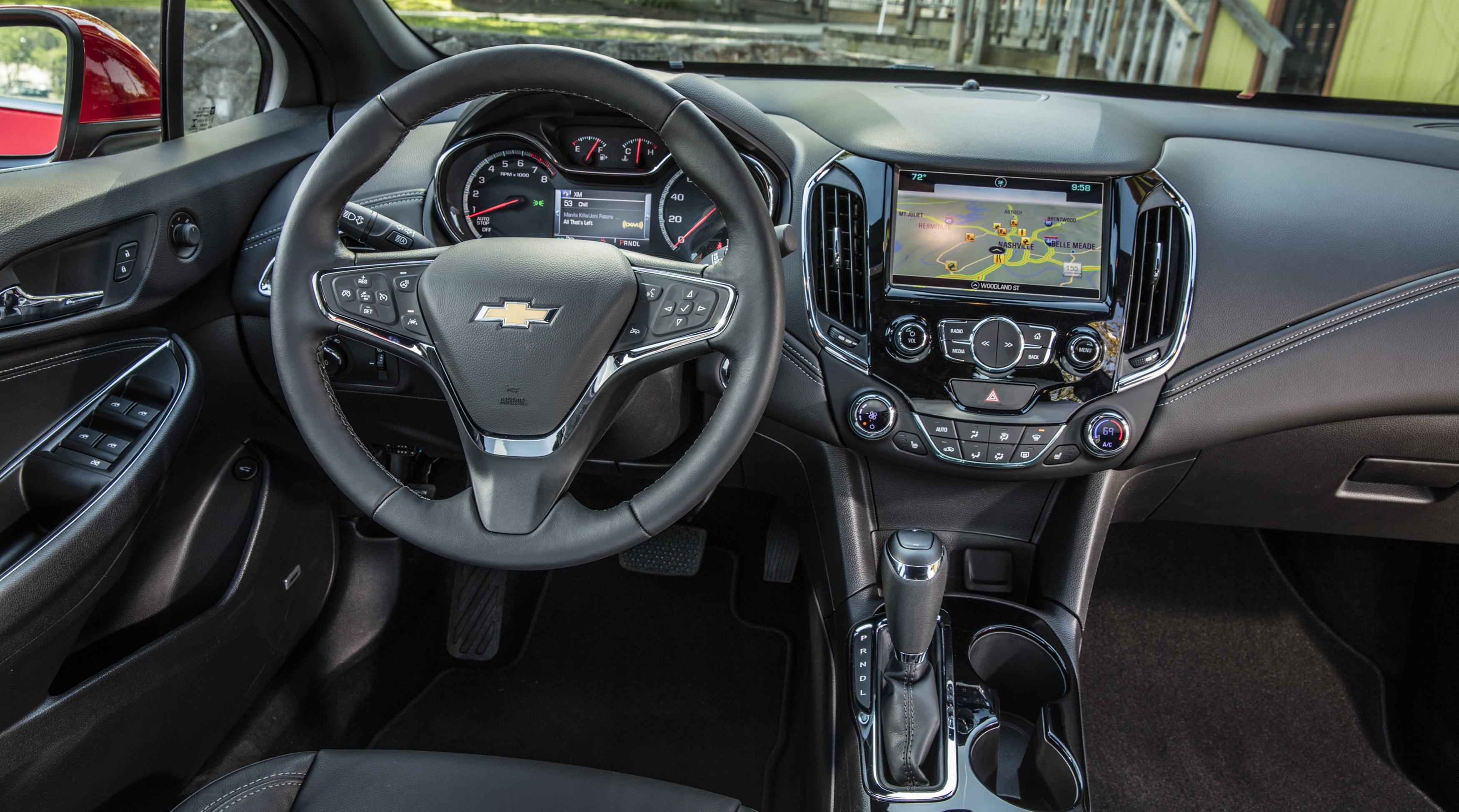 2016-Chevrolet-Cruze-033.jpg