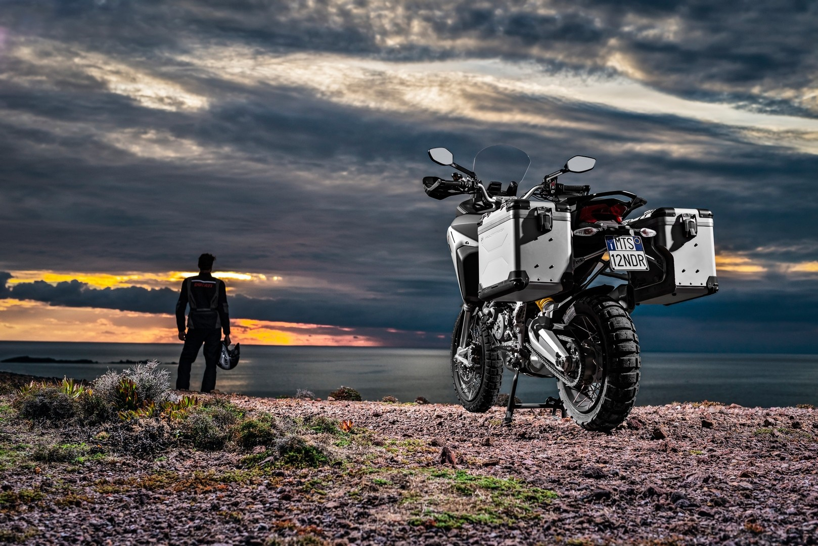 ducati-celebrates-their-90th-anniversary-with-a-round-the-world-motorcycle-trip_3.jpg