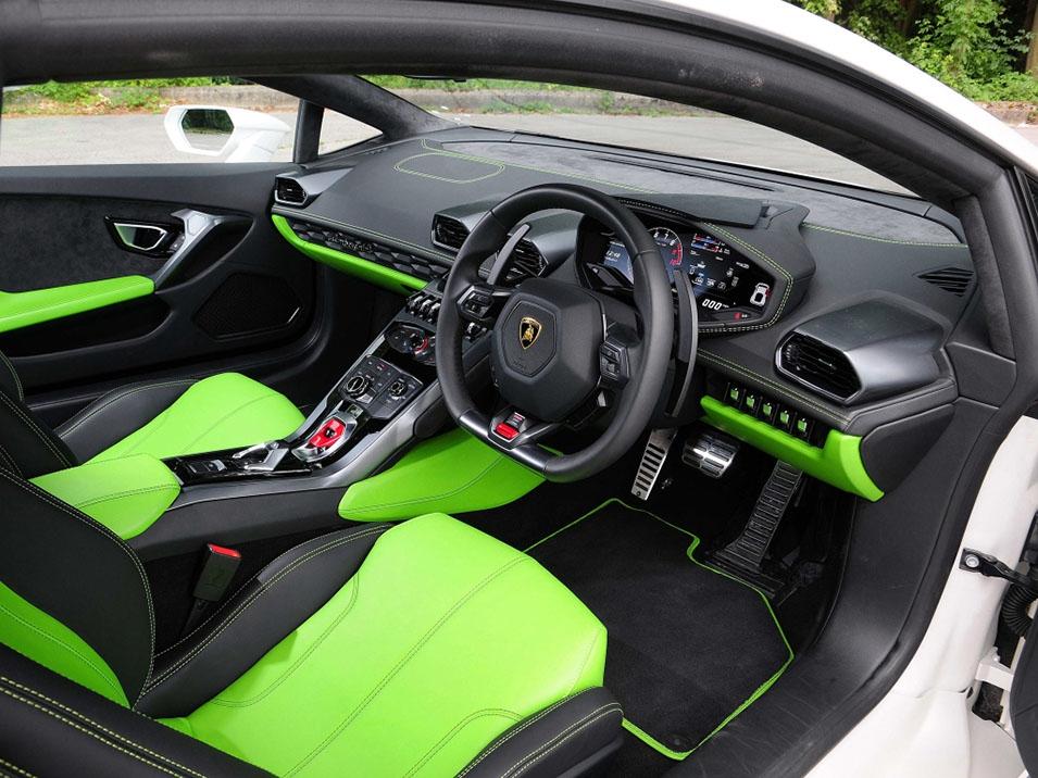 Lamborghini Huracan в роли такси