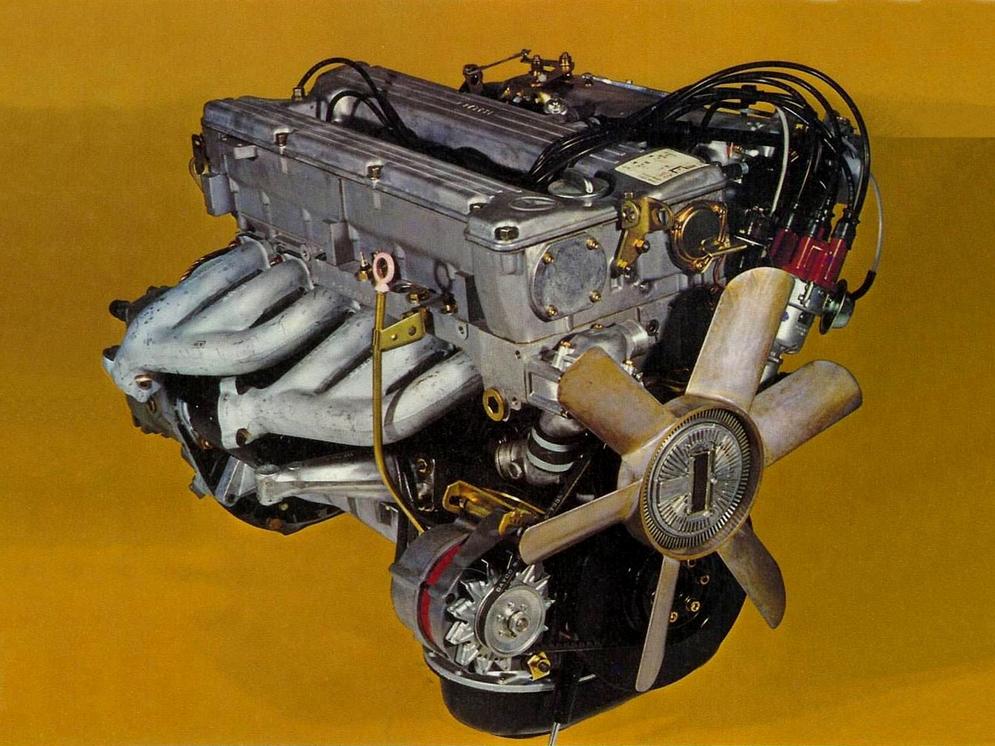 4Двигатель Mercedes-Benz M110.jpeg