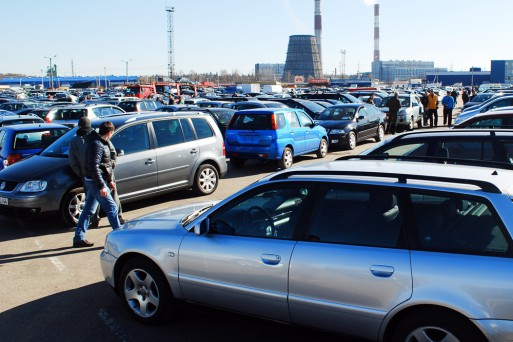 Автопроизводители снижают цены намашины вРоссии